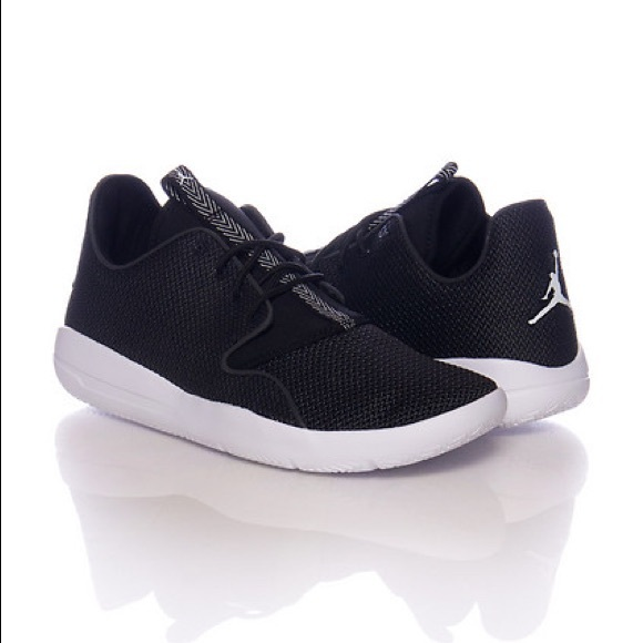 buy online 62b04 b43eb Jordan eclipse size 4.5 youth. Black and white.