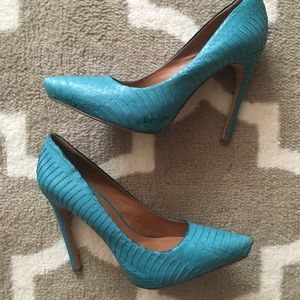 EUC Rachel Roy Gardner snakeskin leather pump 7.5