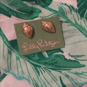 Lilly Pulitzer Sea Shell Earrings 🐚