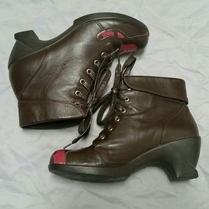 Safiya Leather Ankle Boots ~ Kitty Cat