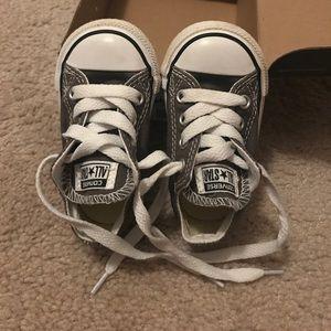 Infant size 4 converse shoes!!