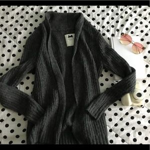 Gilly Hicks gray cozy sweater