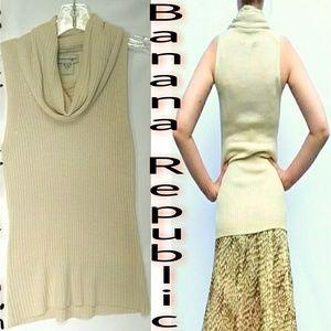🍌 Banana Republic sleeveless drape neck