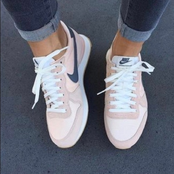 Nike Chaussures Internationalist Sunset Tint Poshmark