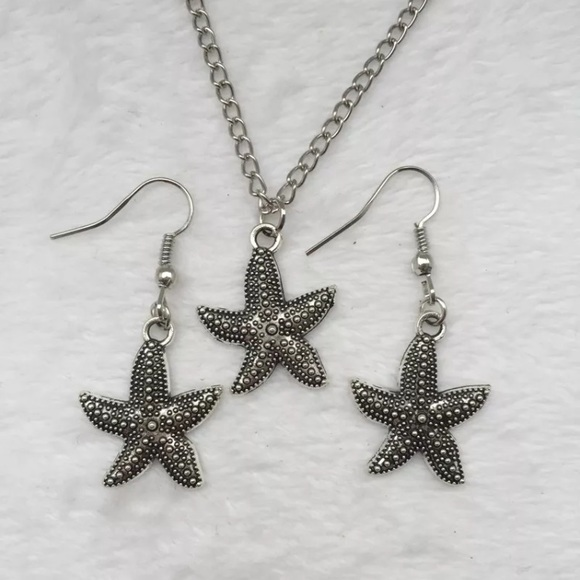 Jewelry - Cute Silver Starfish Necklace Earring Set