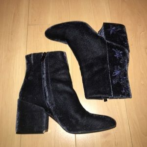 Kenneth Cole crushed velvet boots
