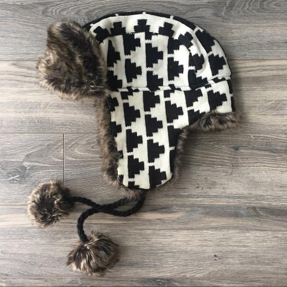 3fce1e6798f Accessories - Houndstooth Sweater   Faux Fur Trapper Hat