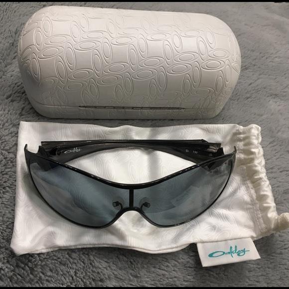 ef8ae56bcc7 Oakley Breathless polarized black sunglasses women