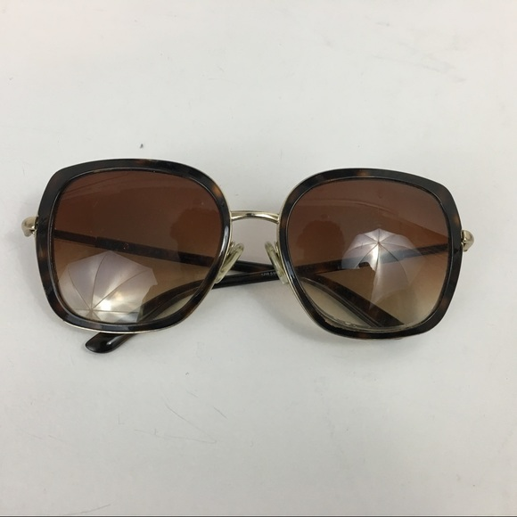 b695301b7bf3 Prada oversized Tortoise Shell sunglasses. M 59b14d6ed14d7b46d30033be.  Other Accessories ...