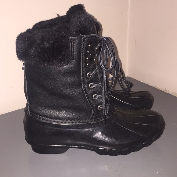 99583fbfcc4 Ladies Steve Madden snow boots Sz 6 like bean boot