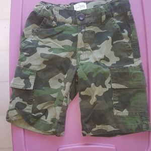 Boys Army print cargo shorts