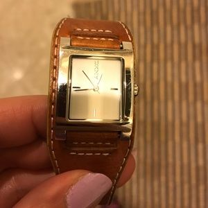 Beautiful used watch needs batteries