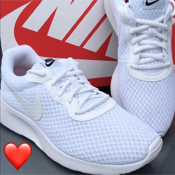 New Nike Tanjun Women's Sneakers All White </p>                     </div>   <!--bof Product URL --> <!--eof Product URL --> <!--bof Quantity Discounts table --> <!--eof Quantity Discounts table --> </div>                        </dd> <dt class=