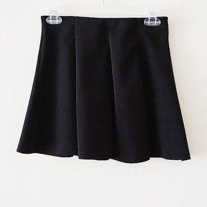 Zara w&b Black pleated skater skirt