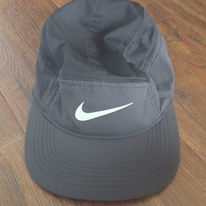 Nike dri fit running baseball hat