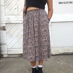 Vintage floral maxi skirt with pockets