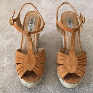 Steve Madden Brown Suede Wedge Size 7M