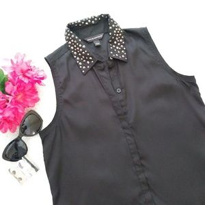 Rock & Republic Black Sleeveless Button Down