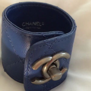 Blue Cuff worn 1 time . Have a whole collection .