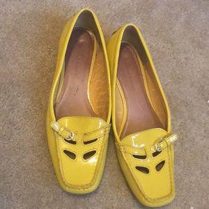Yellow patent leather flat