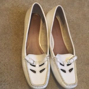 White patent leather flat