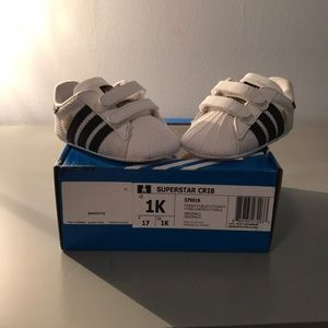 Adidas zapatos bebé tamaño 1 Superstar poshmark