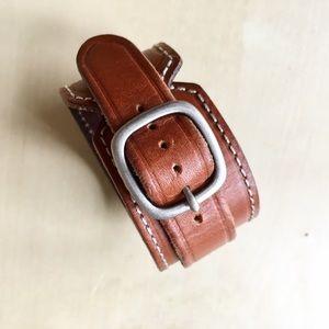 New gap bracelet