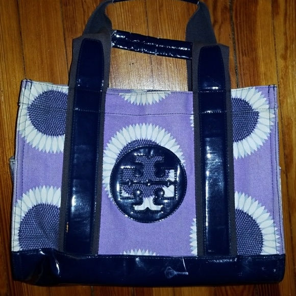 Tory Burch Handbags - Authentic Tory Burch Tote!