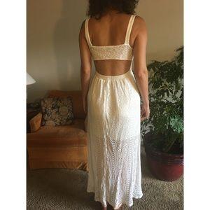 🐚 White Crochet Backless Maxi Dress 🍸