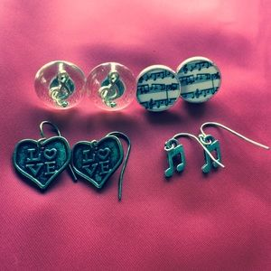 Hot topic music note earrings