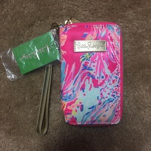 NWT Lilly Pulitzer Wristlet iPhone 6/6s/7