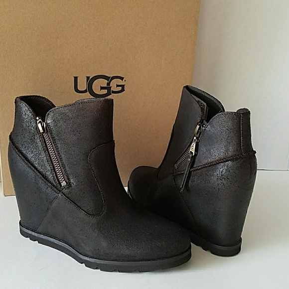 61fac87e19f UGG MYRNA WEDGE ZIPPER BOOTS BOOTIES LODGE NWT