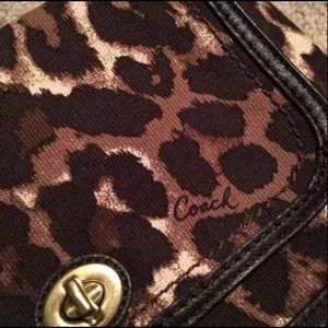 🌻Coach leopard Crossbody🌻