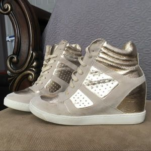 Shoedazzle Gold and Suede Hiphop Wedge Sneakers