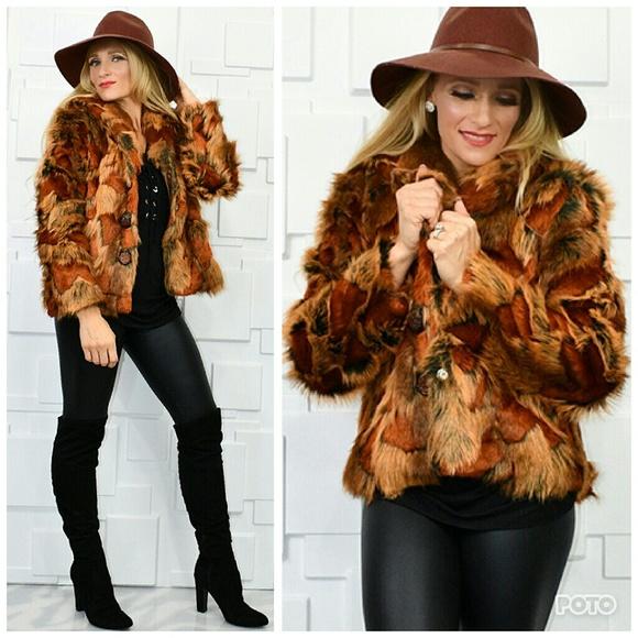 MODA Jackets & Blazers - GORGEOUS FAUX FUR COAT