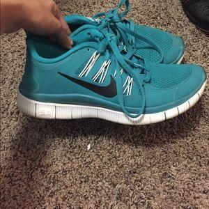 Aqua Nike free Runs 😊