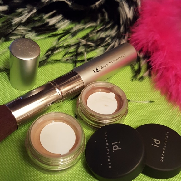 bareMinerals Other - I.d bare minerals weightless powder and eyeshadow.