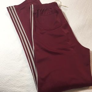 Other - Men's red athletic pants with stripe