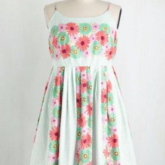 5bfbca0458 Bea   Dot Dresses   Skirts - Modcloth Bea   Dot High Socie-Tea Flower