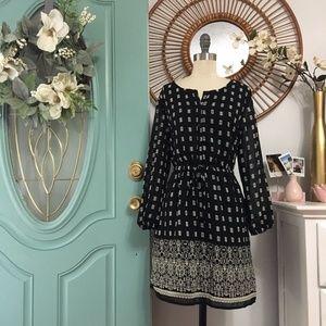 ✨SALE✨ 3/4 sleeve patterned dress NWT