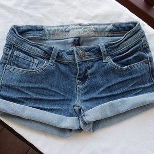 NWOT Vanilla Star jean shorts