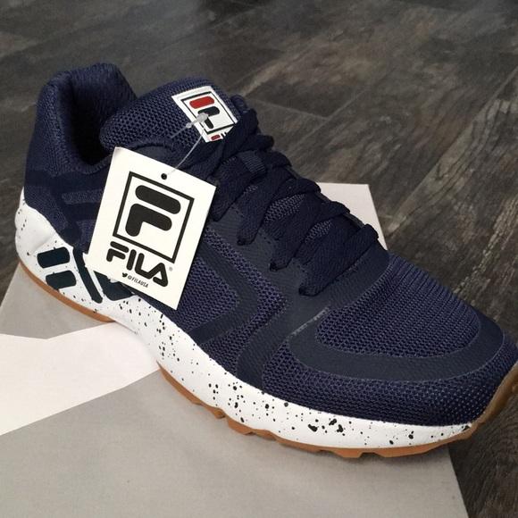 Nwb 5 Mindbender Fila Sneakers Navy