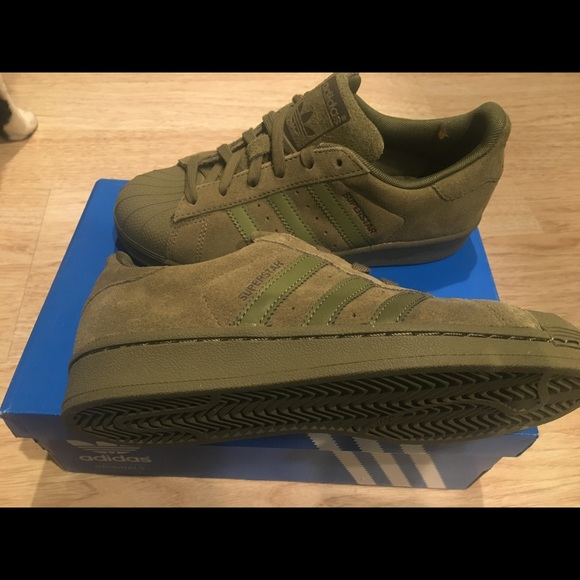 newest collection f0348 6f0ac Suede Adidas hardshell superstars olive green