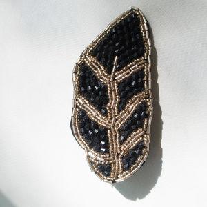 Accessories - NWOT Beaded Leaf Hair Clip