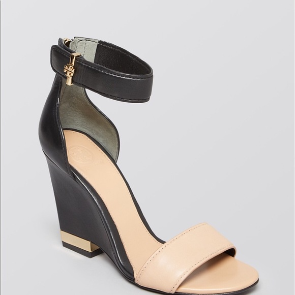 Tory Burch Carolyn Wedge Sandals Size 7
