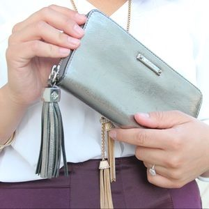 Stella & Dot Mercer Pewter Metallic Tassel Wallet