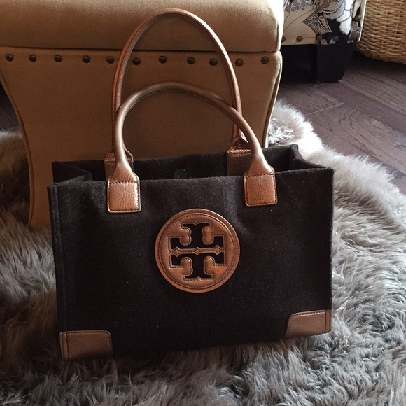 7c353e9538d 🍁SALE🍁Tory Burch wool small