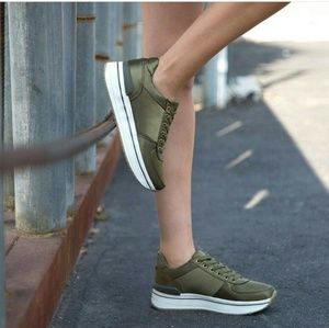 🆕//The Brie// Army green platform satin Sneakers