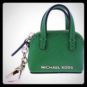 NWT Michael Kors Cindy Signature Key Chain 3142