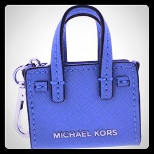 NWT Michael Kors Dillion Signature Key Chain 3117